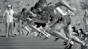 Runners starting a race